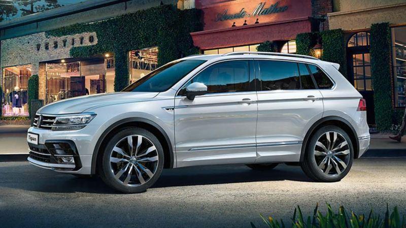 Volkswagen Tiguan in sosta