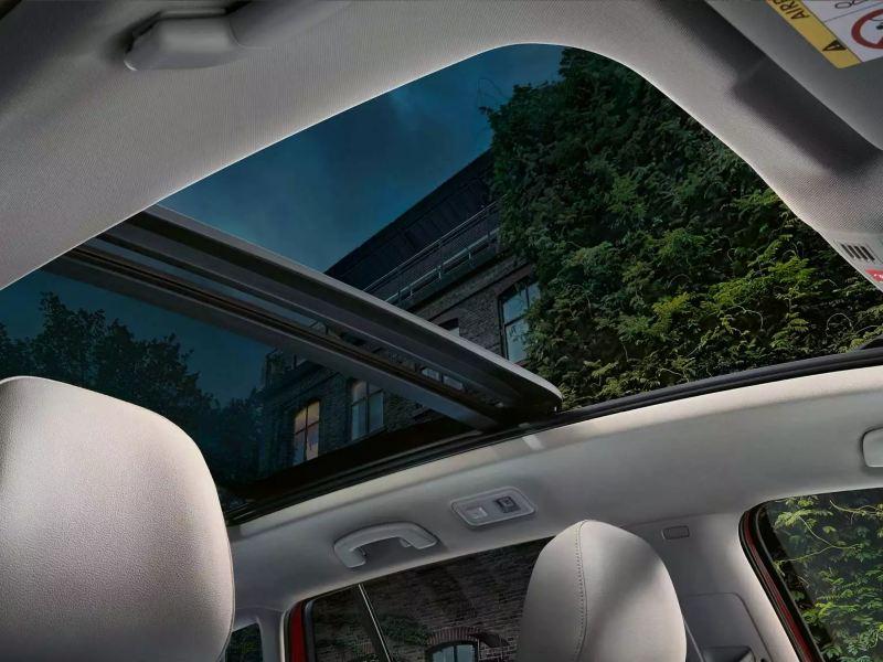 Toit ouvrant panoramique grand ouvert de la Nouvelle Sportsvan