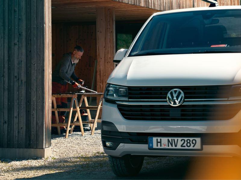 Volkswagen Caddy Cargo på en arbetsplats