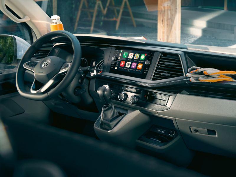 Η καμπίνα οδηγού του Volkswagen Transporter 6.1.