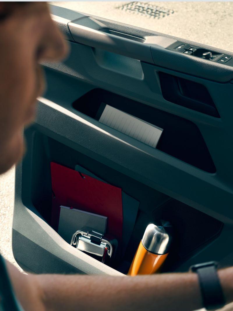 Wnętrze Volkswagen Transporter 6.1 Furgon.