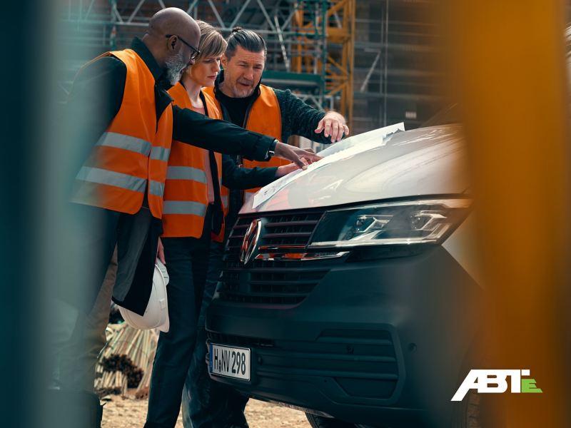 Der ABT e-Transporter Kombi eignet sich auch als Baustellenfahrzeug.
