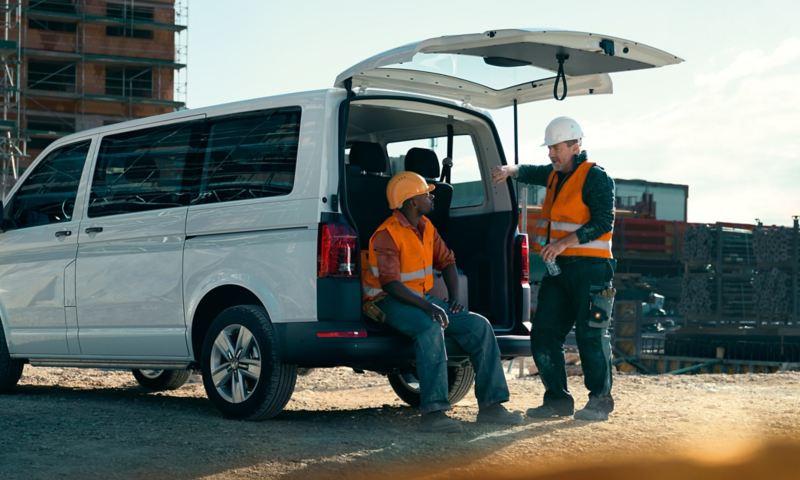 Bakdörrar på en Volkswagen Transporter skåpbil