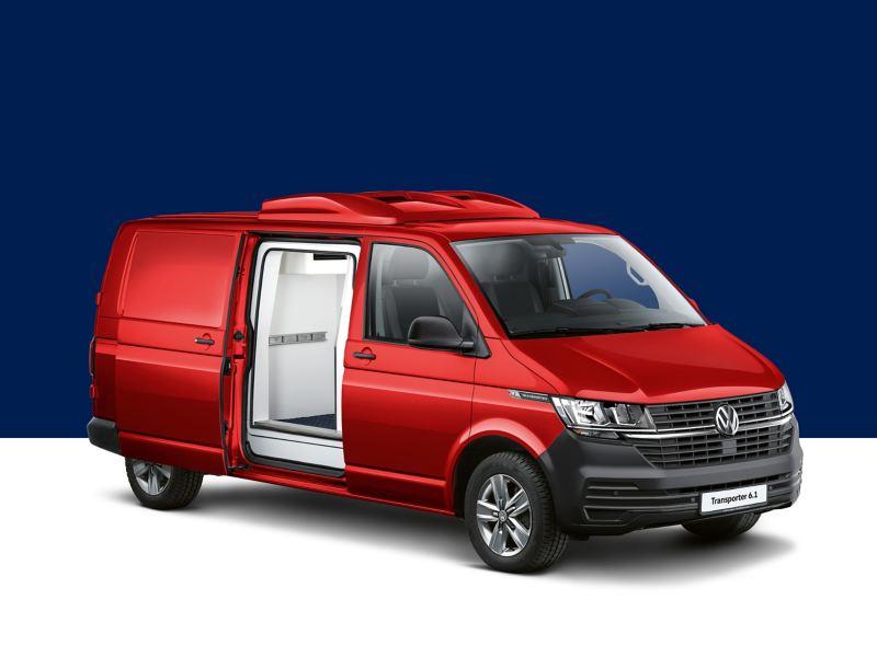 Ein roter Volkswagen Transporter 6.1 mit Kühl- und Frischdienstausbau.