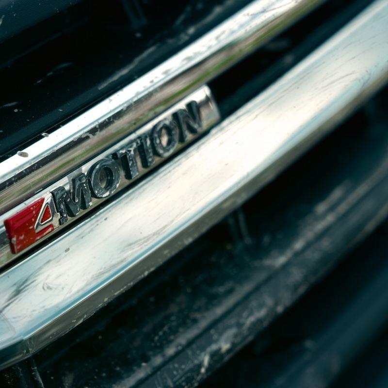 4MOTION fyrhjulsdrift logga i fronten på en Volkswagen