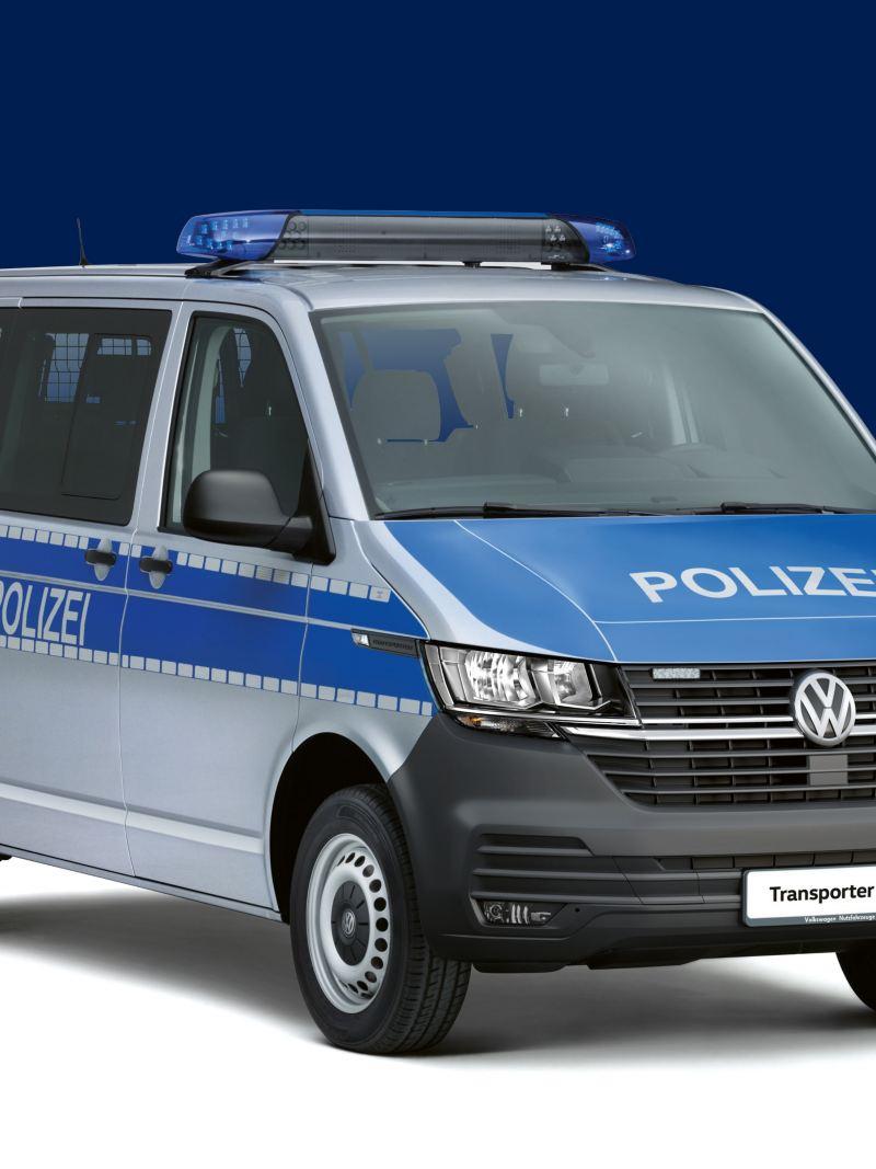 Der Transporter als Polizeifahrzeug.