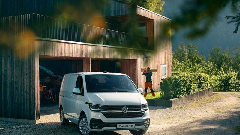 vw Volkswagen Transporter 6.1 varebil kassebil firmabil smarthus plusshus funkishus vedlikeholdsfritt panel snekker håndverker entreprenør