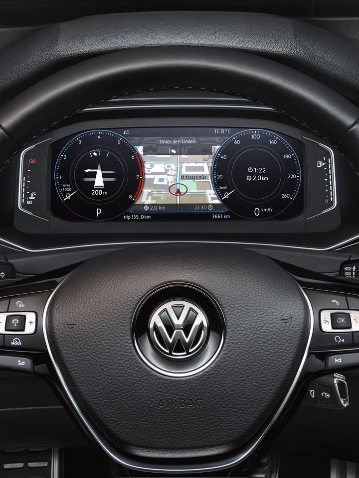 Detalle del volante multifunción y el Digital Cockpit del Volkswagen T-Roc