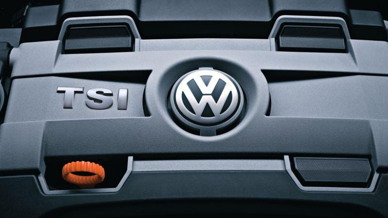 Detalle del motor TSI del Volkswagen Golf 8 GTI