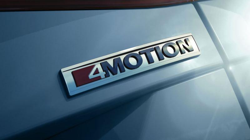 Emblema 4Motion de Volkswagen con reflejos de luz