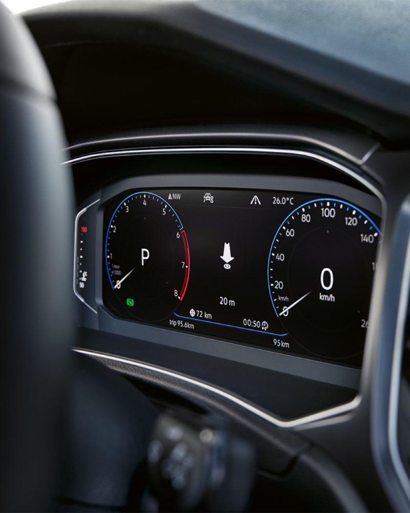 Panel digital de un T-Roc Cabrio visto desde el lateral del volante