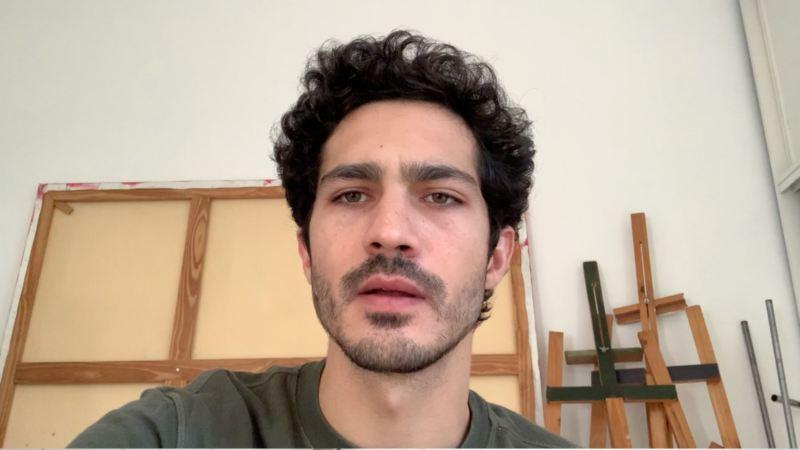Imagen de una conversación por webcam con Chino Darín