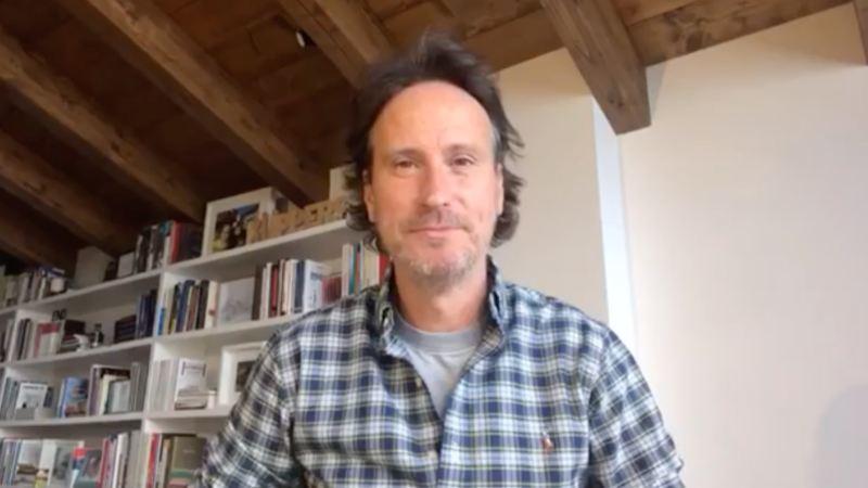 Imagen de una conversación por webcam con Victor Küppers