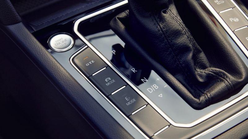 Detalle de selector de modos de propulsión de un Volkswagen GTE