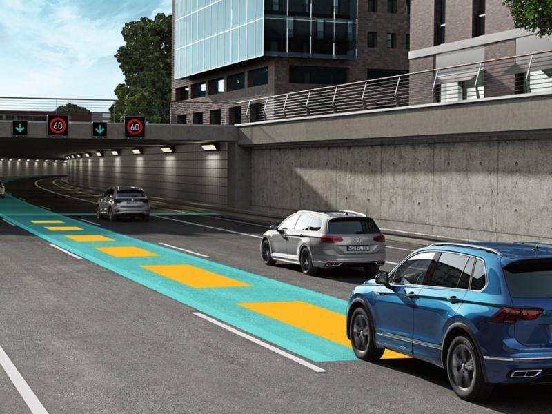 Gráfico del sistema de crucero adaptativo de un Volkswagen Tiguan en una autopista urbana