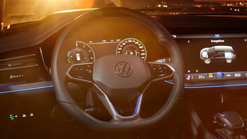 Detalle del volante de un Volkswagen Touareg R