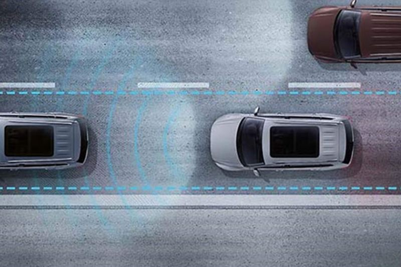 Arial shot of Traffic Jam Assist system, in action.