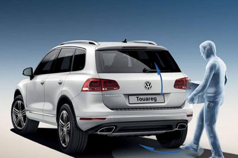 White Volkswagen Touareg.
