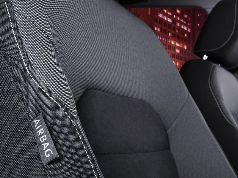 Vestiduras de tela artvelours presentes en asientos del Golf 2020, el auto compacto cómodo