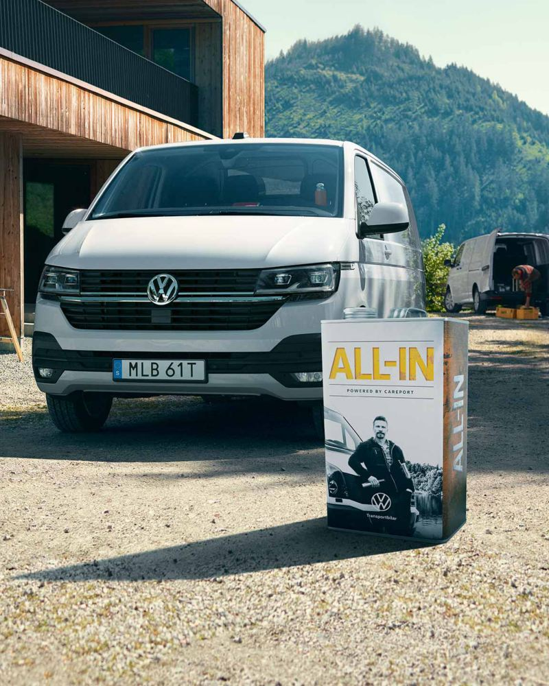 Volkswagen All-in burk med en vit Transporter 6.1