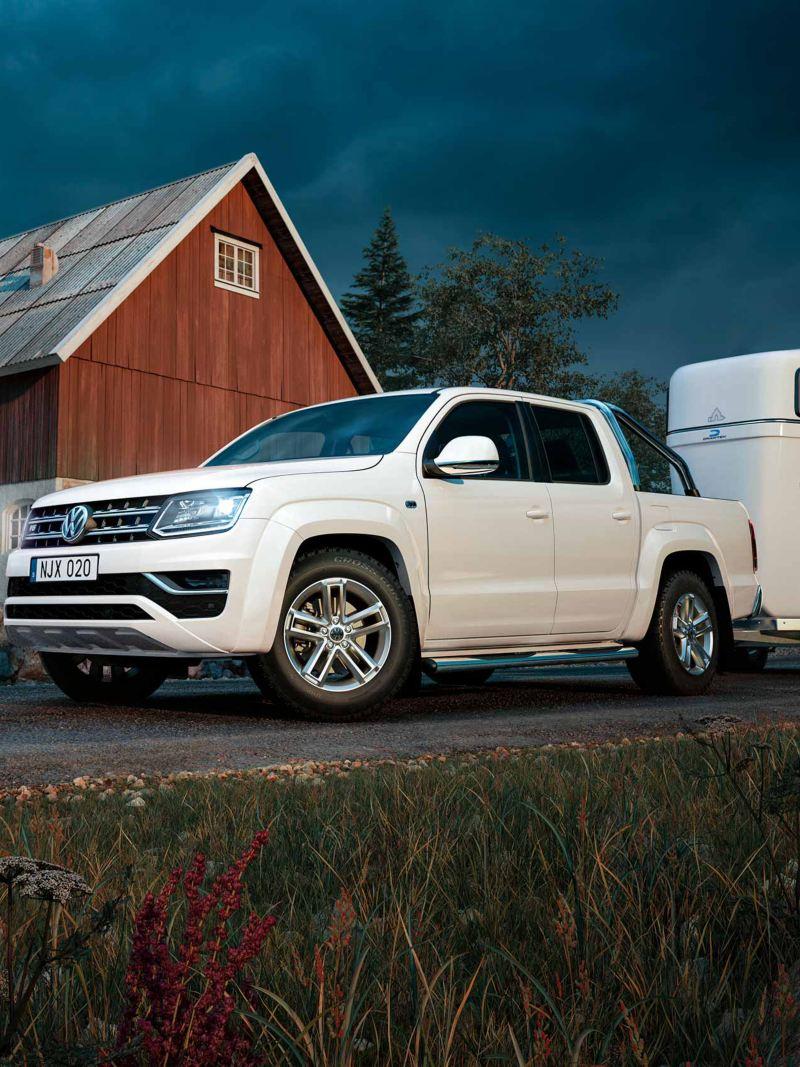 VW Amarok pickup med hästsläp
