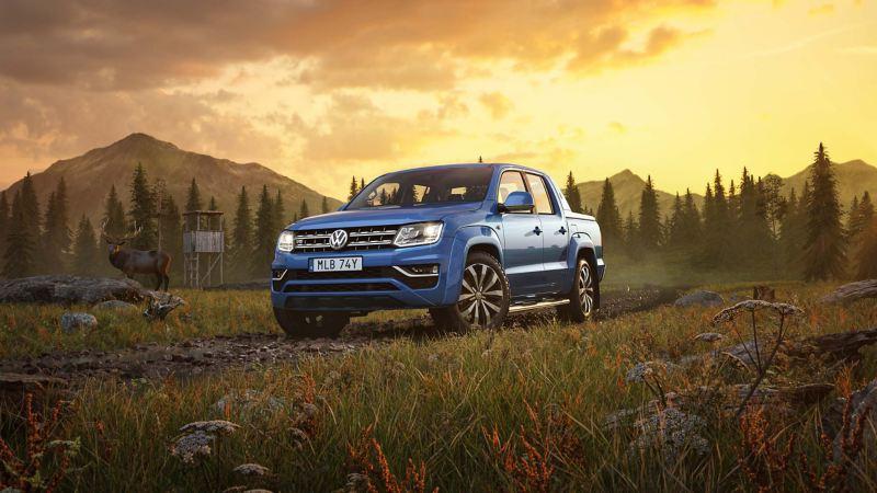 Blåa VW Amarok V6 pickup i vildmarken