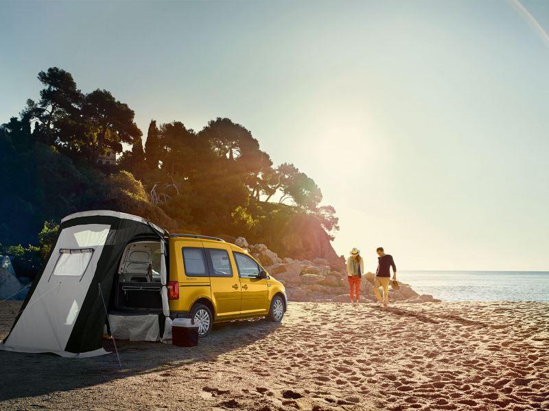 VW Caddy Beach - världens minsta husbil?