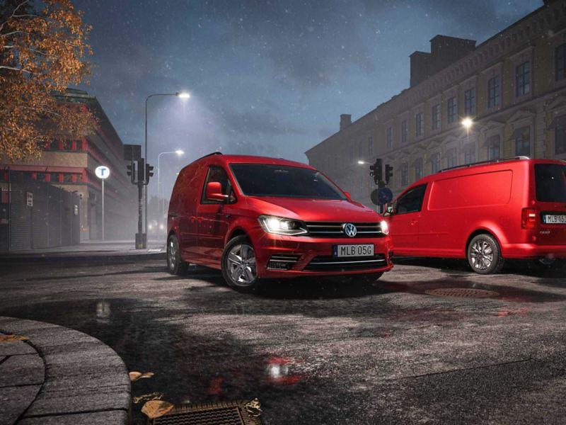 Röda VW Caddy Skåp