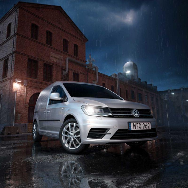 Volkswagen Caddy Skåp silver vid fabrik