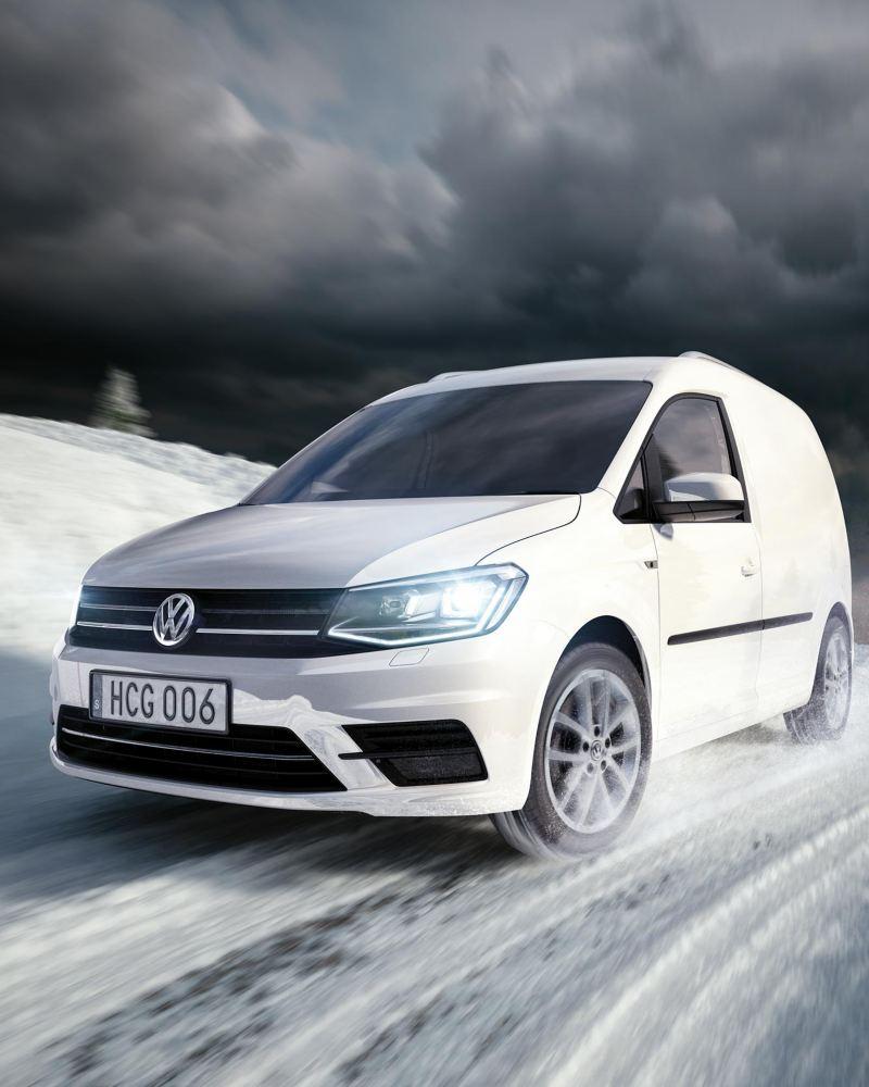 VW Caddy Skåp med 4MOTION på vinterväg