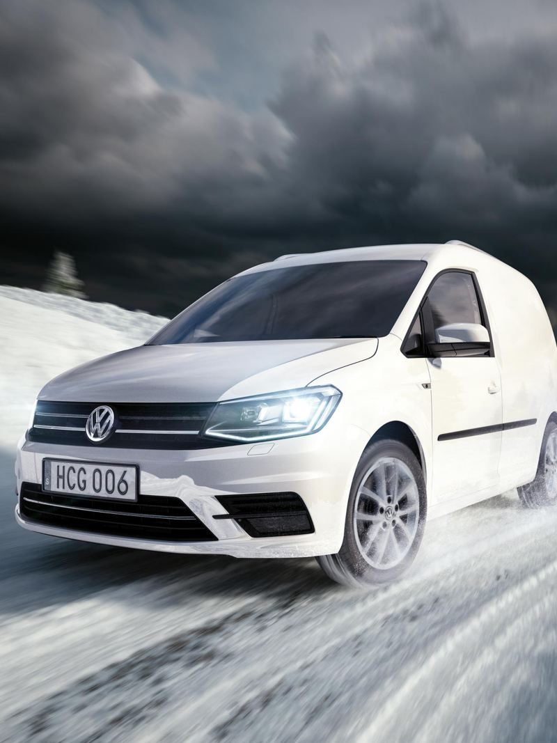 VW Caddy Skåp på vinterväg