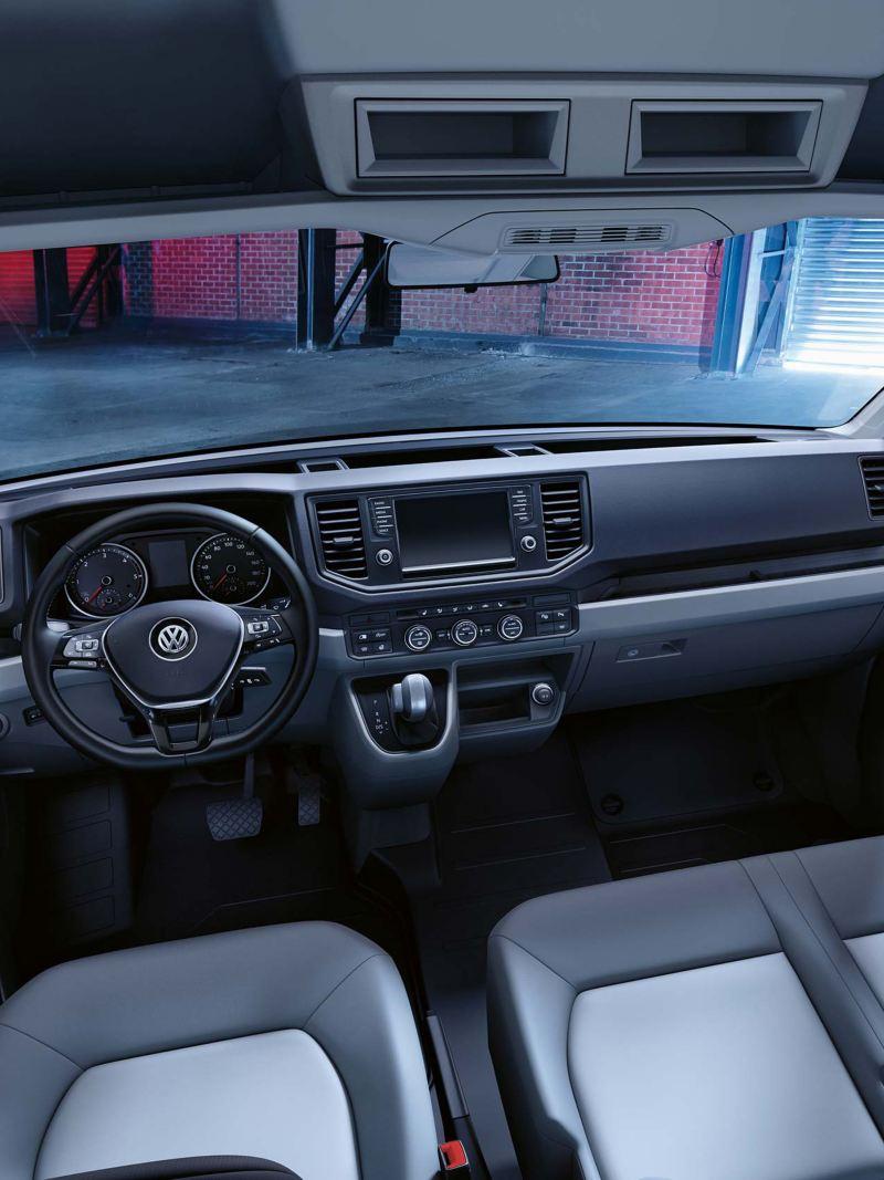 Förarplatsen i VW Crafter lätt lastbil