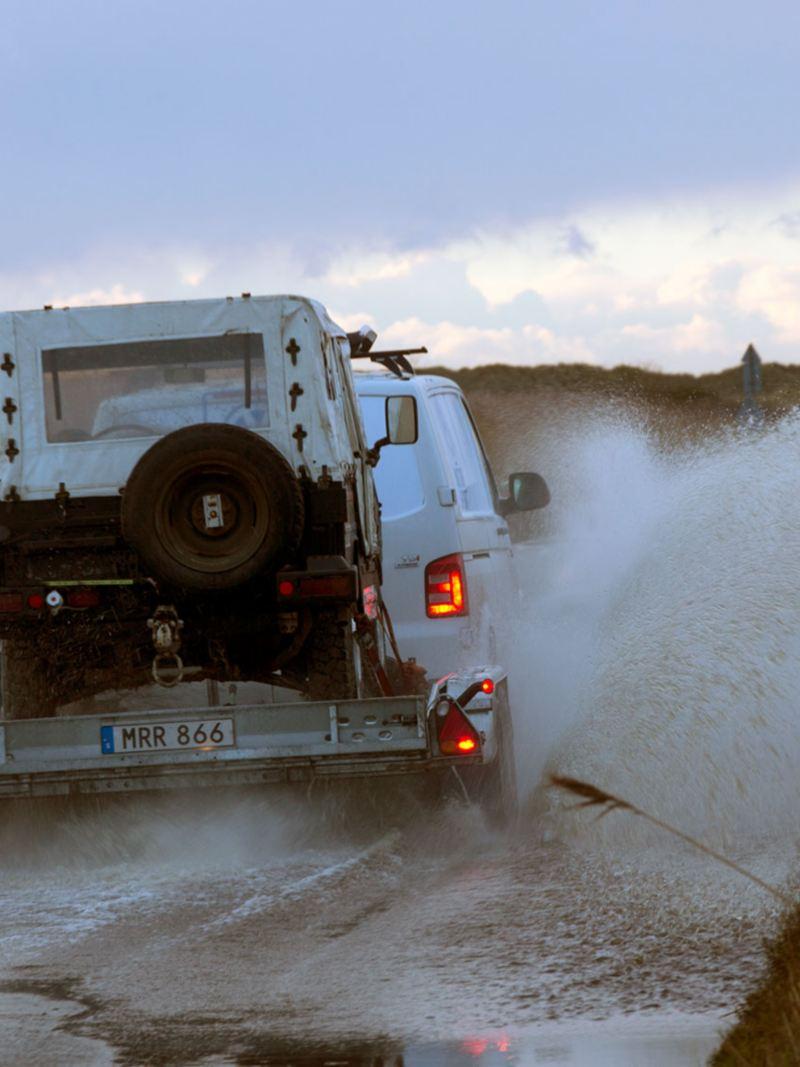 Volkswagen Transporter DSG 4MOTION - fyrhjulsdrift med släp genom vattendrag