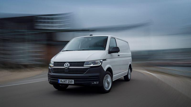 Volkswagen Transporter Skåp T6.1 framfrån