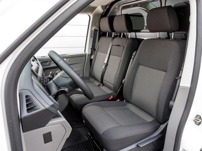 Förar- och passagerarsäte i nya VW Transporter Skåp T6.1