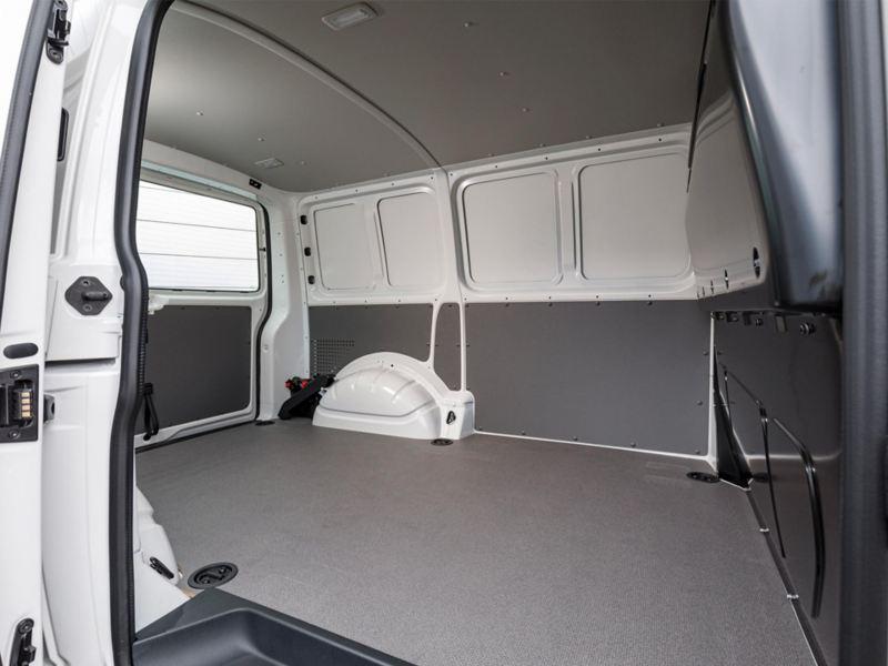 Lastutrymmet i nya Volkswagen Transporter Skåp T6.1 sett från skjutdörren i sidan