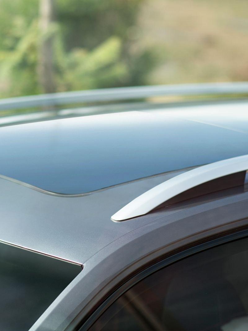 Barras cromadas presentes en techo del SUV Teramont 2019 de Volkswagen