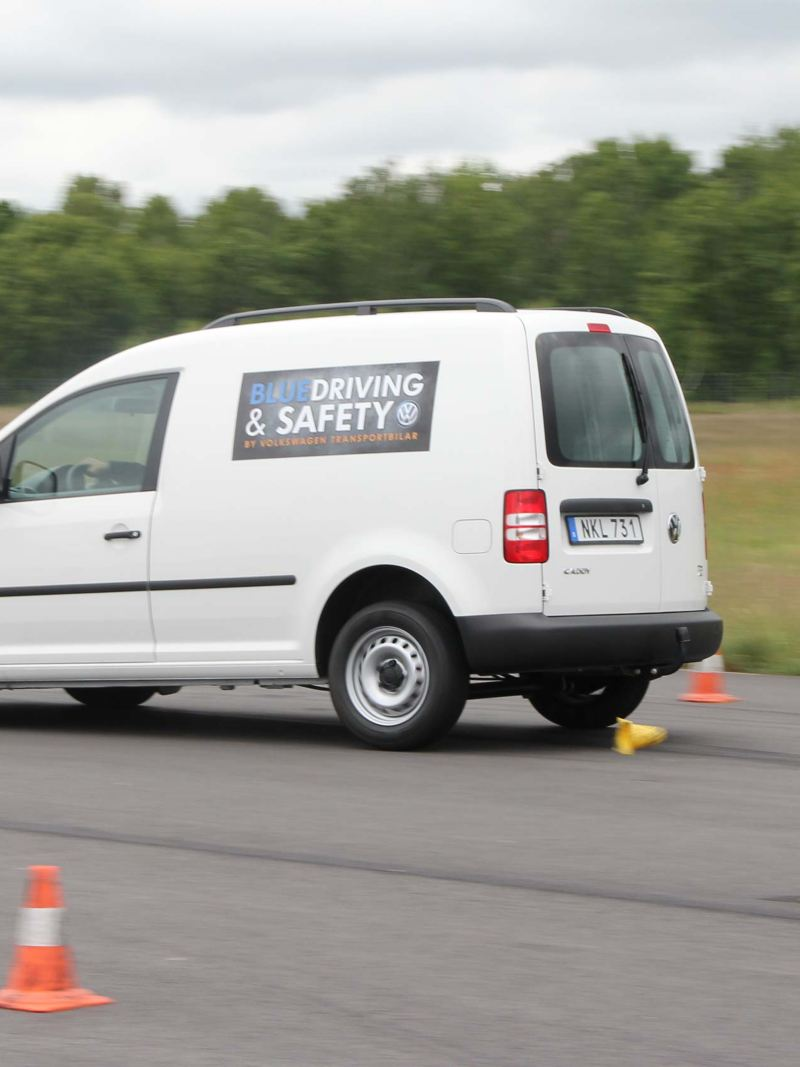 VW Caddy i Blue Driving & Safety förarutbildning
