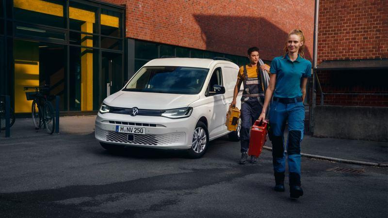 Der neue Volkswagen Caddy Cargo im Einsatz.