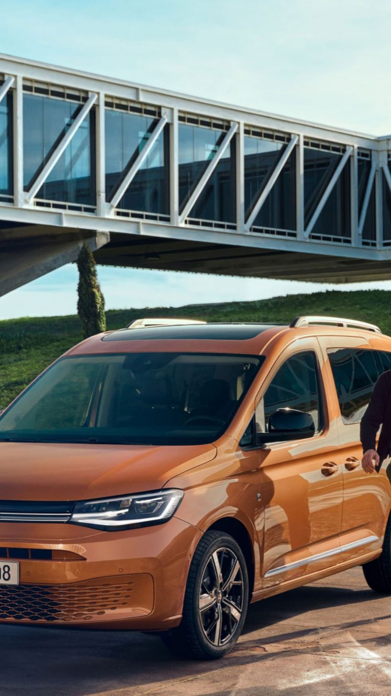 Den nye Caddy 5 personbil familiebil 7-seter frontlys