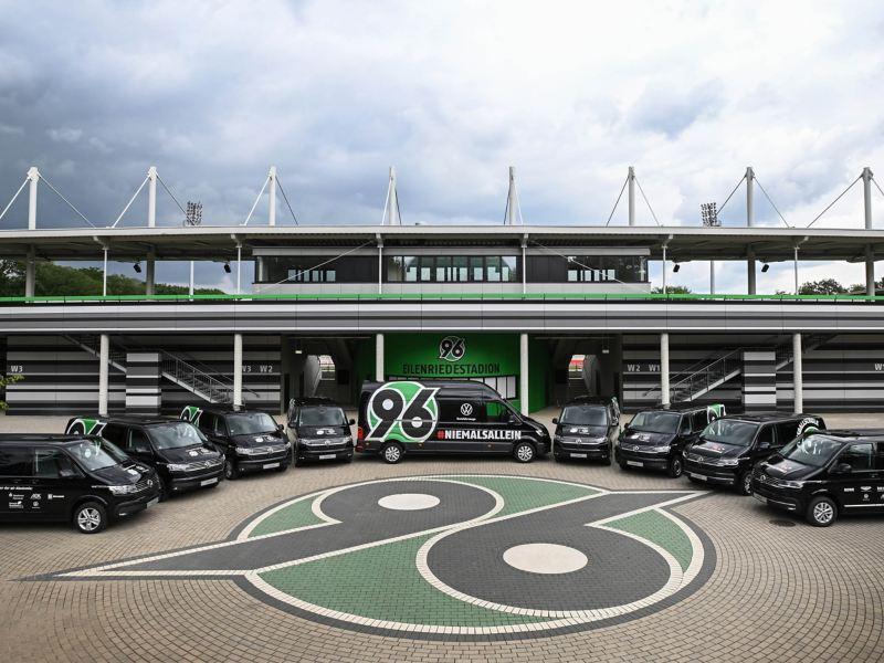 Die Fahrzeuge des Fußballvereins Hannover 96.