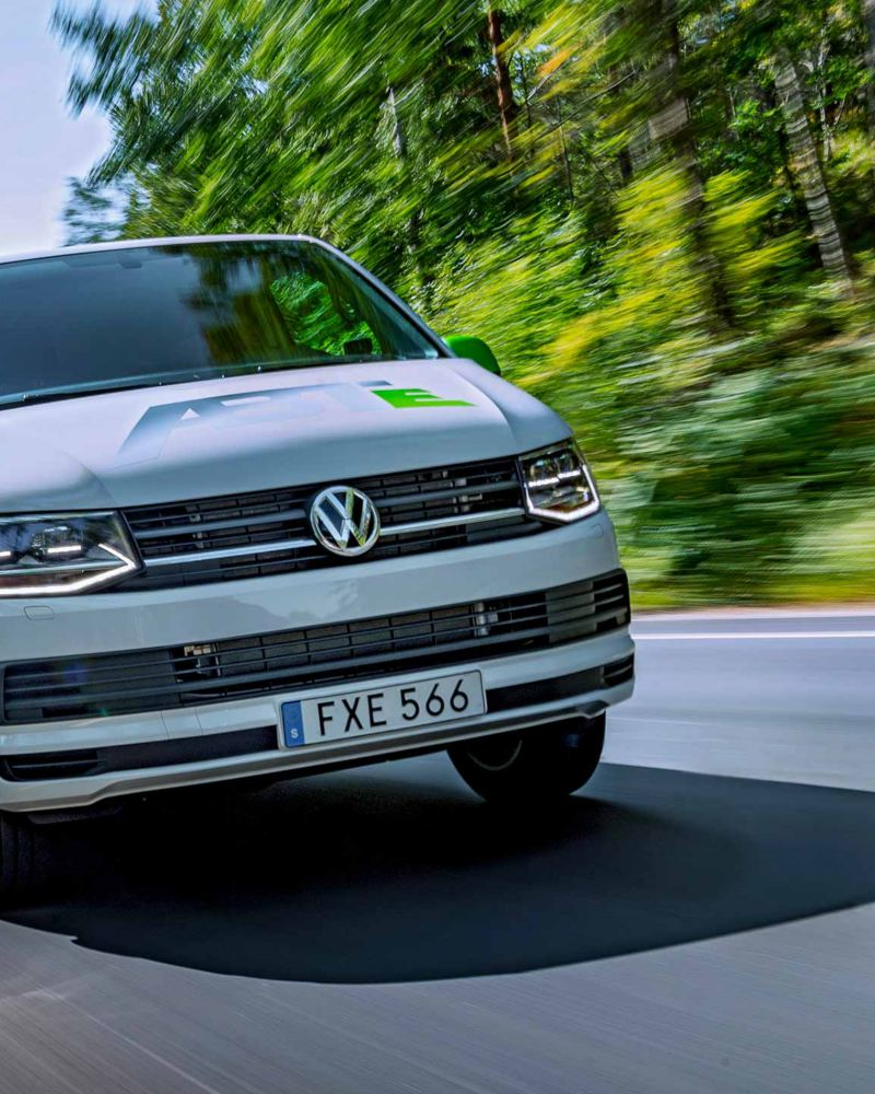 ABT e-Transporter eldriven skåpbil framifrån