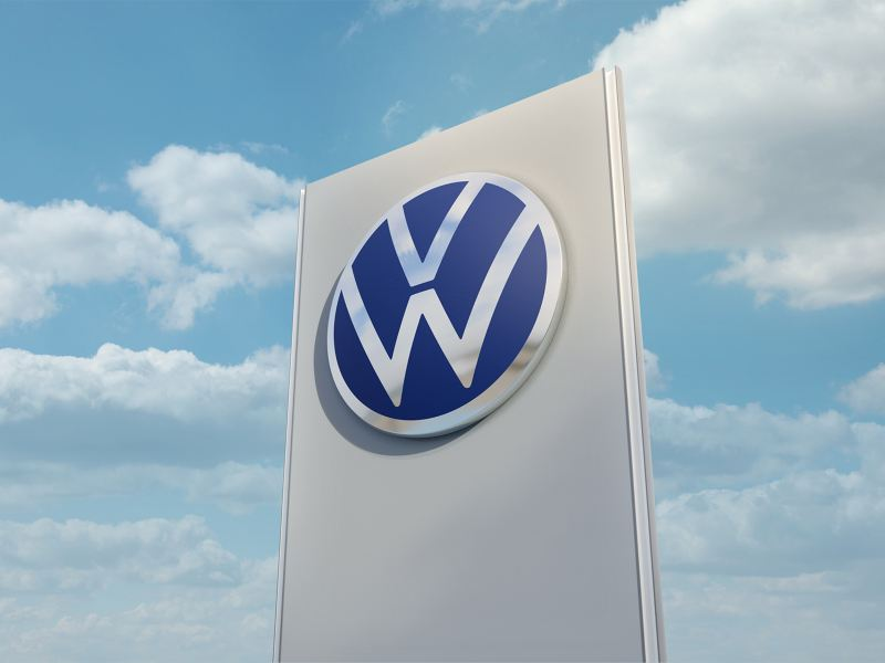 Emblema Volkswagen en Concesionaria