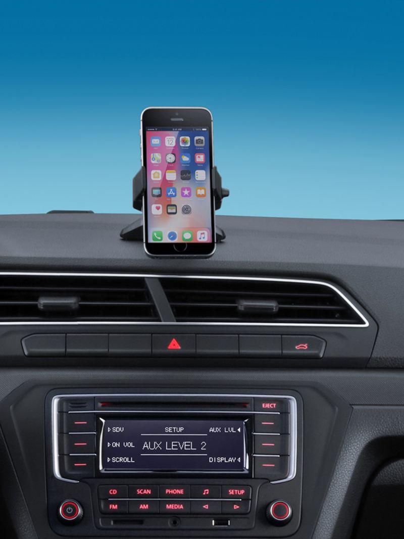 Base universal y entrada USB presentes en Nuevo Gol de Volkswagen