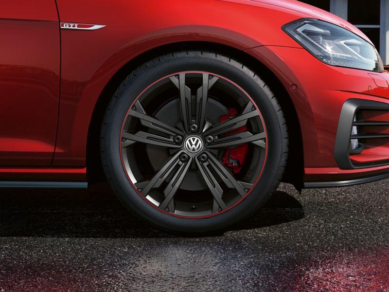 """7.5 J x 18 inch """"Sevilla"""" wheel in Dark Graphite with red pinstripe"""