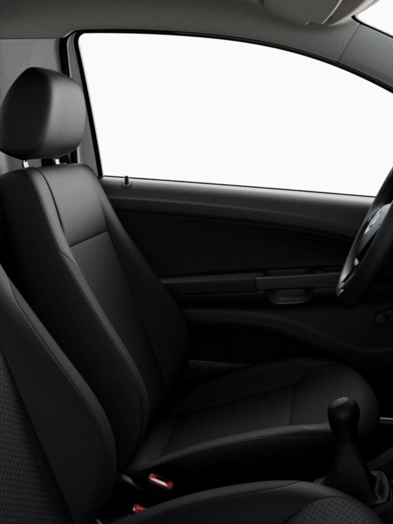 Asientos de Saveiro 2021 en tela transpirable resistente presente en versión Robust de camioneta Pick Up