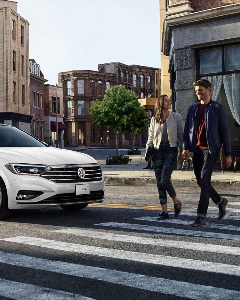 Jetta 2021. Conoce las versiones, características y el precio del carro sedán Volkswagen.