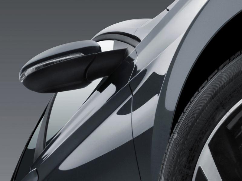 Los nuevos espejos eléctricos para mejorar la visión del conductor del automóvil Jetta de Volkswagen