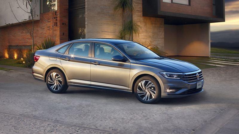 Vista exterior de Jetta auto sedán de Volkswagen