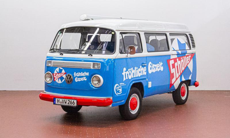 Schöller-Eiswagen - 2005 T2 Kombi schräg von vorne.
